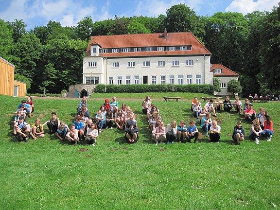 Sommerhausansicht_mit_Schüler.JPG