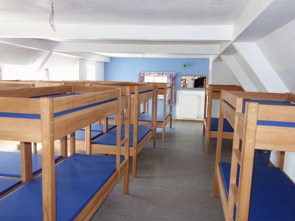 Der_beliebte_Blaue_Saal_mit_24_Schlafplätzen.jpg